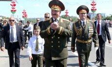 Lukašenko pauž Baltkrievijas armijas gatavību aizstāvēt Krieviju