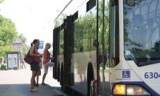 Desmit gados Rīgas sabiedriskā transporta pasažieru skaits samazinājies uz pusi