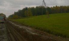 Ремонт дороги в Латгале: читательница пробила колесо, а компенсировать убытки никто не хочет
