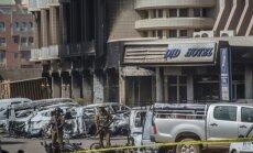 'Al Qaeda' kaujinieku uzbrukumā viesnīcai Burkinafaso galvaspilsētā nogalināti 26 cilvēki