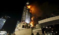 Ugunsgrēkā debesskrāpī Dubaijā cietuši 16 cilvēki