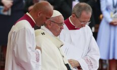 СМИ ополчились на Франциска: кто и зачем троллит папу Римского