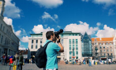 Мужчины-фотографы отобрали у женщин работу