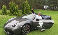 Латвийский страховщик заплатил 60 тысяч евро за меткость гольфиста, выигравшего Porsche