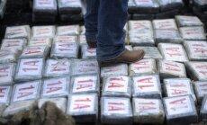 Pie Spānijas krastiem aizturēta vērienīga kokaīna krava