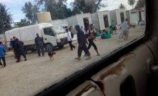 Papua-Jaungvinejā ar varu pārceļ Manusas salā nomitinātos migrantus