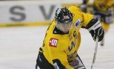 Latviešu hokejisti turpina strādāt un būt rezultatīvi pasaules laukumos