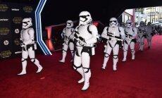 Filmas 'Zvaigžņu kari: Spēks mostas' ieņēmumi pārsniedz divus miljardus dolāru