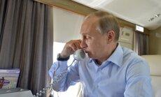 Kremlis: Putins un Obama telefonsarunā apsprieduši situāciju Ukrainā un Sīrijā