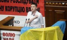 Foto: Savčenko patriotiski sāk deputātes gaitas Ukrainas parlamentā