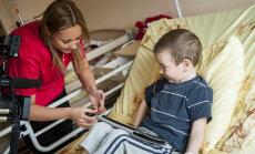 Bērnu slimnīcas pacienti procedūru laikā saņems īpašas 'Drosmes uzlīmes'