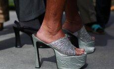 ASV karavīru dalība akcijā 'Noej jūdzi viņas kurpēs' izraisa sašutumu sociālajos portālos