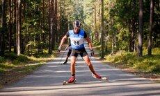 Liepiņš apsteidz Brici un uzvar Latvijas čempionātā rollerslēpošanā