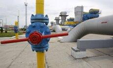 Krievija draud apturēt dabasgāzes piegādes Ukrainai; Kijeva atsakās maksāt avansā