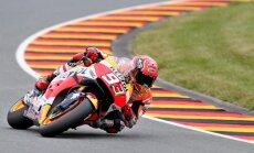 Markess izcīna uzvaru kvalifikācijā 'MotoGP' posmā Vācijā