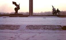 Atklās izstādes par latviešu simboliem un Uzvaras parku