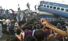 Indijā no sliedēm noskrējis vilciens; vismaz 30 bojāgājušo