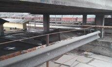 Zemitāna tilta kāpnes palikušas bez margām; Rīgas dome mierina – tās demontētas