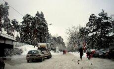 Pēc traģiskā negadījuma Mežaparkā iedzīvotāji pieprasa nekavējoties sakārtot transporta plūsmu Pāvu ielā
