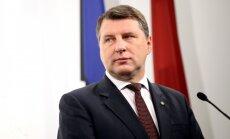 Vējonis pārmet Saeimai 'pa sētas durvīm' ienestus un neizstrādātus priekšlikumus