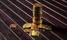 Vairāk nekā puse strādājošo pērn 'uz rokas' saņēmuši līdz 450 eiro