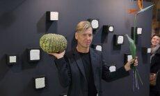 Foto: Mākslinieks Ritums Ivanovs jubileju nosvin ar personālizstādes atklāšanu