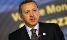 Turcijas premjers: aizturētajā Sīrijas lidmašīnā atrasts Krievijā ražots militārais aprīkojums