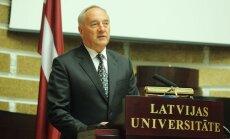 Prezidents Bērziņš būs LU Goda biedrs