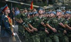 Bērni no Latvijas atkal vesti uz militāro nometni Krievijā, ziņo 'de facto'