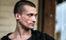 Krievu performanču mākslinieks Pavļenskis ievietots psihiatriskajā stacionārā