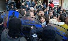 Turcijā par kara nosodījumu aiztur ārstus, ziņo mediji
