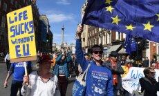 Десятки тысяч человек вышли в Лондоне на марш против Brexit