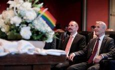 Foto: Vācijā noslēgtas pirmās viendzimuma laulības