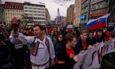 Slovāki protestē pret korupciju valdībā