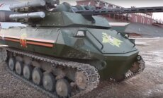 Krievija parāda robotizēto tanku 'Uran 9'