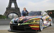'BMW' prezentējis kārtējo apgleznoto sacīkšu automobili
