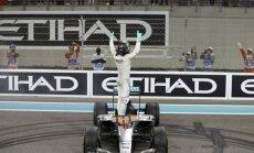 Rosbergs F-1 sezonas pēdējā posmā nodrošina savu pirmo pasaules čempiona titulu