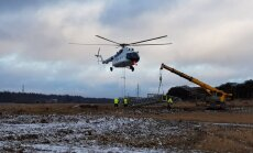 Video: 'Kurzemes loka' būvniecībā iesaistās divi helikopteri