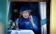 Karaliene Elizabete II patroneses lomu uztic citiem karaļnama pārstāvjiem