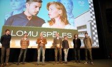 Foto: kinoļaudis pulcējas filmas 'Lomu spēles' pirmizrādē