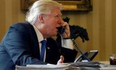 Trampa telefonsaruna ar Putinu ir nozīmīgs sākums attiecību uzlabošanai, uzsver Baltais nams