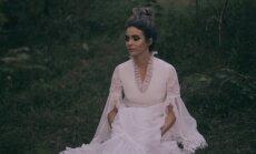 Noklausies! Mūziķe Evija Vēbere publicē solo ierakstu 'Sirdsbūt' un jaunu dziesmu