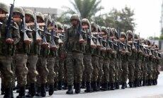 Turcija pieprasījusi Grieķijai izdot pēc apvērsuma aizbēgušās militārpersonas