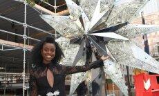 Foto: Rokfellera centra slaveno egli rotās zvaigzne ar 25 tūkstošiem 'Swarovski' kristāliem