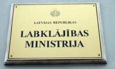 VK pārmet LM regulāru līgumu slēgšanu par pakalpojumiem, kas būtu jāveic pašiem ministrijas darbiniekiem