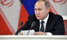 Putins sola piegādāt bruņojumu Serbijai