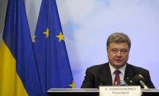 Porošenko aicina paplašināt sankcijas pret Krieviju par Minskas vienošanās nepildīšanu