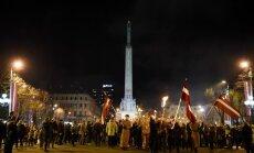 Foto: Patriotiskais Lāčplēša dienas lāpu gājiens pulcē vairākus tūkstošus