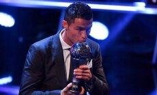 Ronaldu atzīts par gada labāko futbolistu FIFA versijā