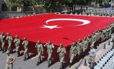Turcija atzīst, ka 'tīrīšanās' pēc neveiksmīgā puča varētu būt pieļautas kļūdas